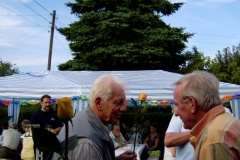 KGA-Vorsitzender Dr. Dieter Luhn ehrt verdiente Gartenfreunde